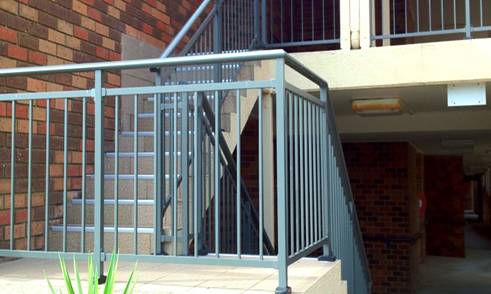 Aluminium Railings 85