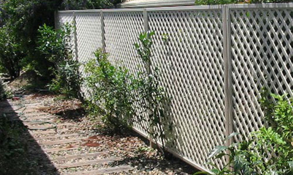 Back Yard Fencing 11