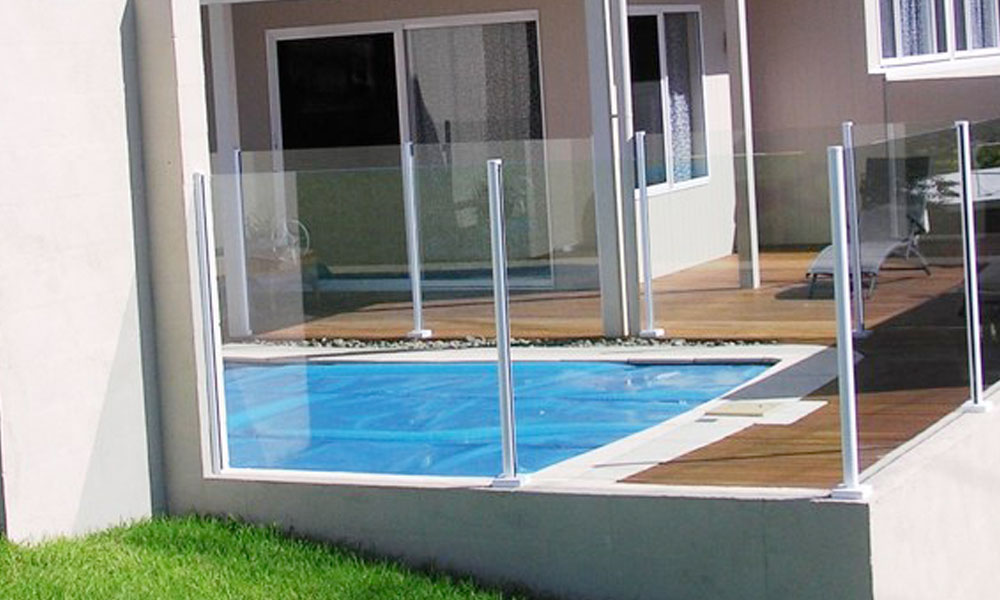 Frameless Glass Fencing 4