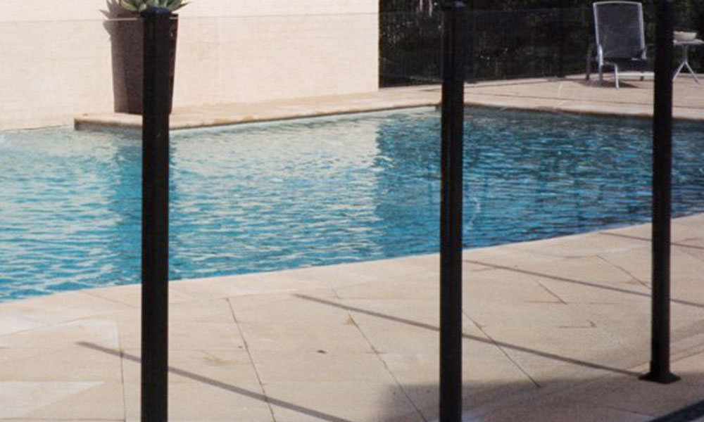 Frameless Glass Fencing 7