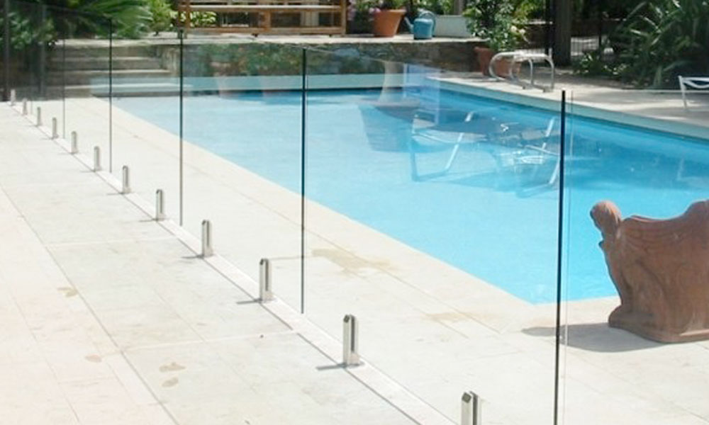 Frameless Glass Fencing 9