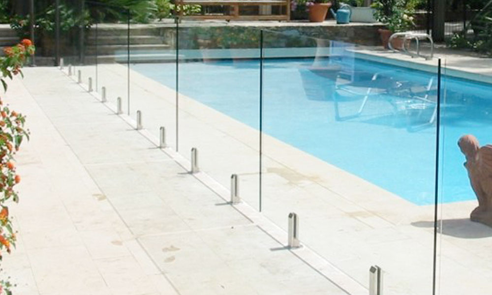 Glass Fencing 11