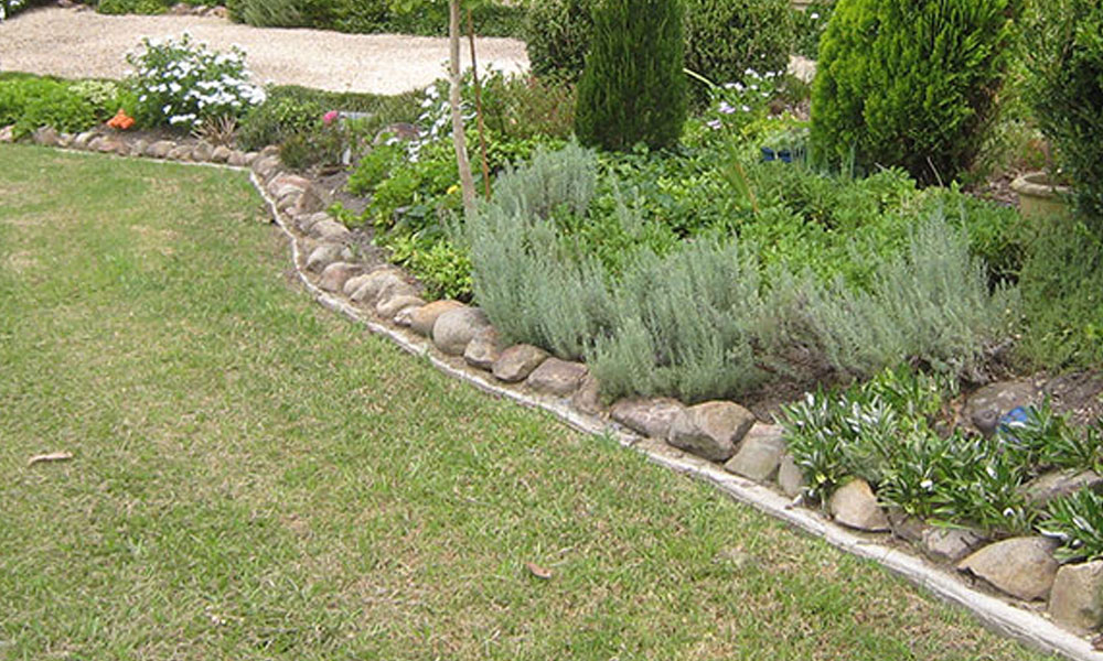 Landscaping Kerbs and Edges 2